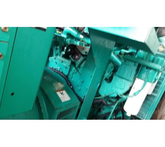 Máy phát điện cũ Cummins 1600 Kva